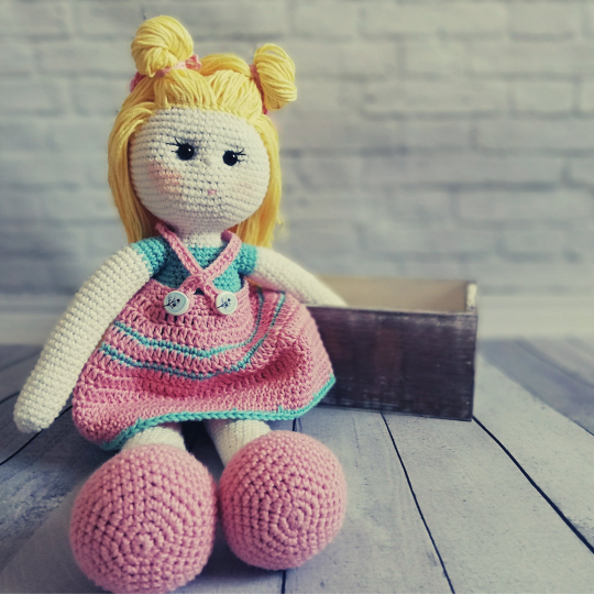 Crochet Doll Pattern - Carrie 06