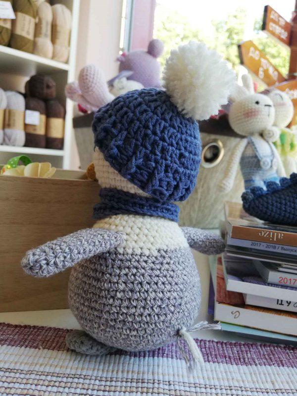 crochet-penguin-toy-grey-back