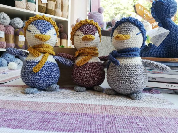 three penguins toy