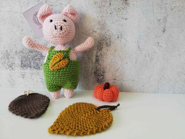 crochet-piggy-boy-front