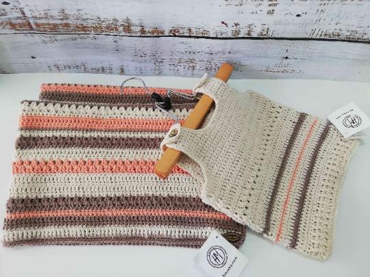 Crochet Baby Set in Beige and orange 01