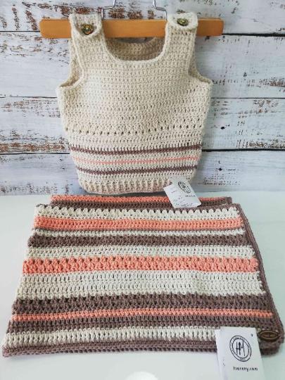 Crochet Baby Set in Beige and orange 02