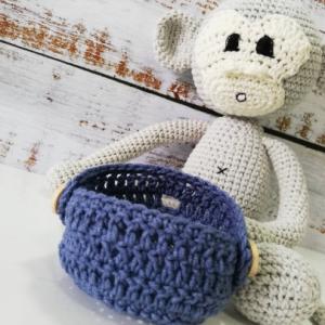 Плетена играчка- маймуна