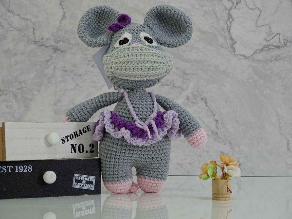 lady-mouse-in-purple-colors-with-mask