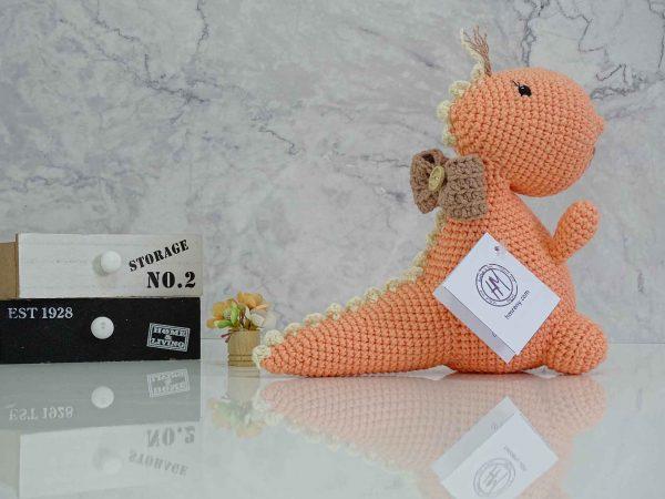 peach-dinosaur-dino-left-tail