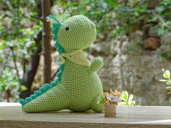 green-dinosaur-sweet-bangs