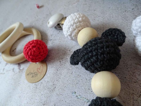 handmade-label-and-little-ball-plus-mickey-silhouette