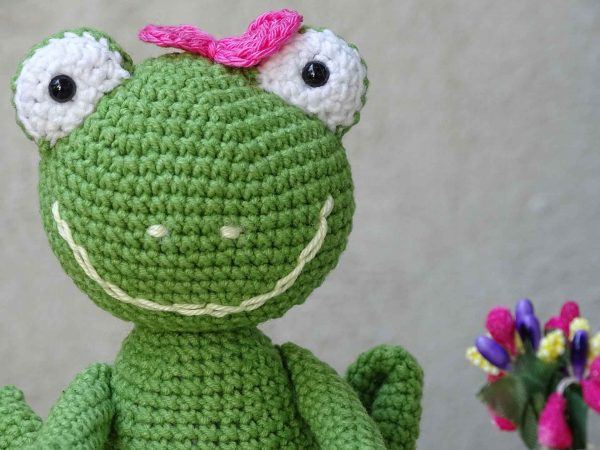 lady-frog-and-a-big-smile