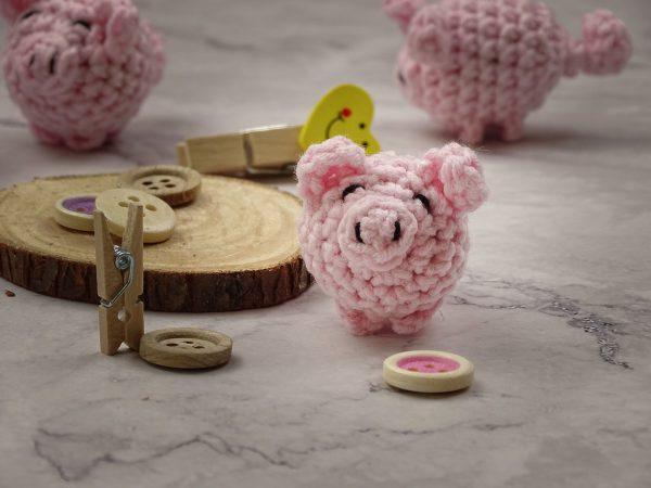 little piggy talisman, amulet pig